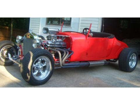1927 Ford T Bucket Roadster in Red