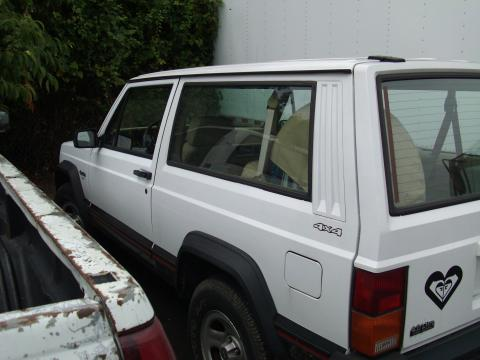 1994 Jeep Cherokee Sport in Off White