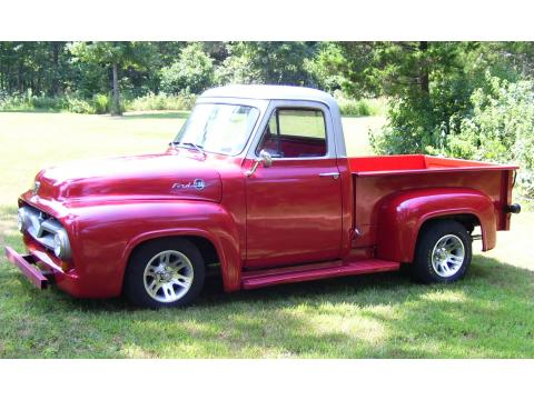 1955 Ford F100 Pickup in Red