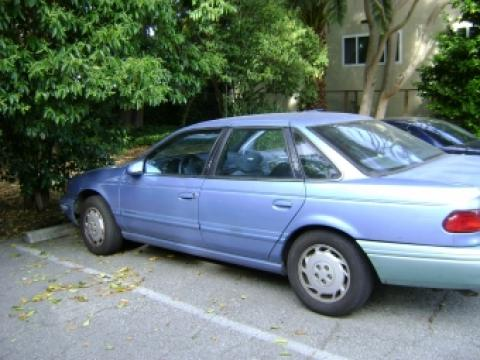 1994 Ford Taurus GL in Blue