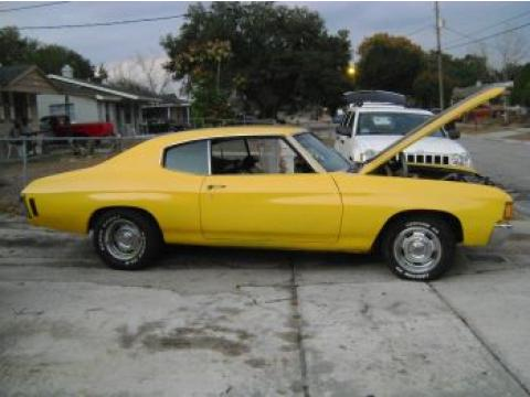 1972 Chevrolet Chevelle Malibu Coupe in Chrome Yellow