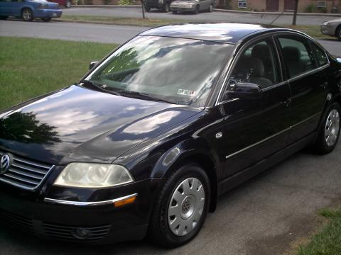 2002 Volkswagen Passat Sedan in Black