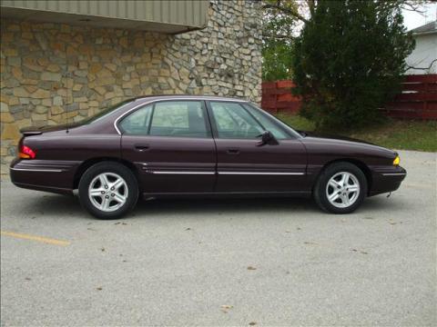 1999 Pontiac Bonneville SE in Dark Cherry Metallic