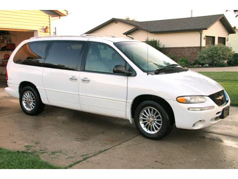 1999 Chrysler Town & Country Limited in Bright White