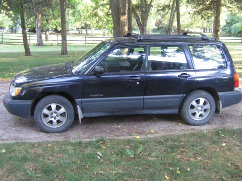 1999 Subaru Forester L in Black Diamond Pearl