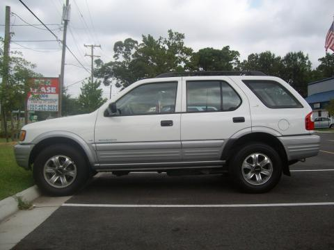 2000 Isuzu Rodeo LS in Alpine White
