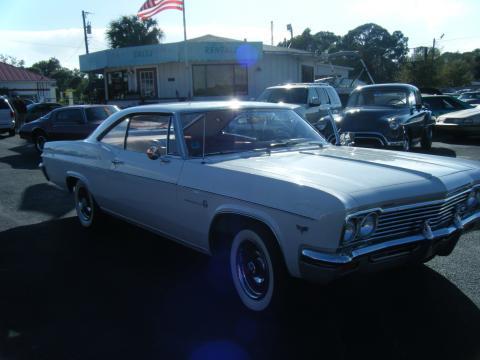 1966 Chevrolet Impala 2 Door Hardtop in White