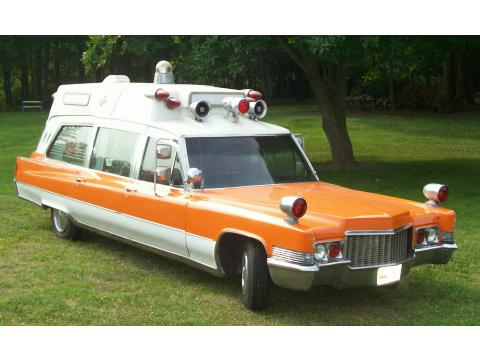 1970 Cadillac Model 9890 Ambulance in Orange over White