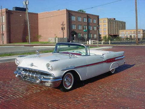 1957 Pontiac Star Chief Convertible in White/Red