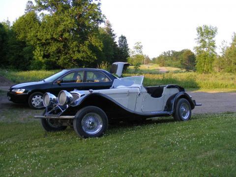 1937 Jaguar SS100  Replica in Black/Cream