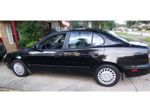 2000 Daewoo Leganza SE in Granada Black Metallic