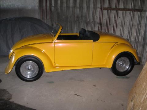 1971 Volkswagen Beetle Convertible in Yellow Gold Pearl