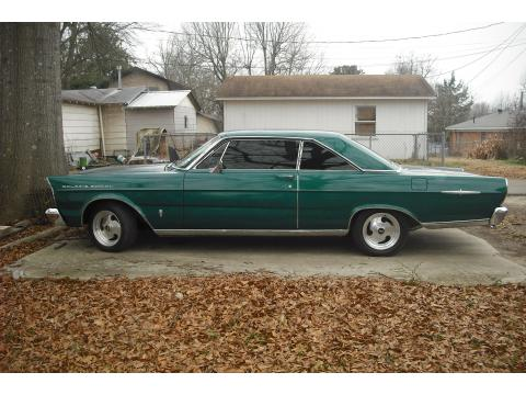1965 Ford Galaxie 500 XL in Green
