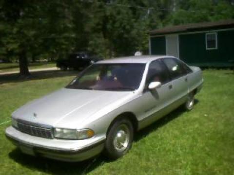 1991 Chevrolet Caprice Classic Sedan in Silver Metallic