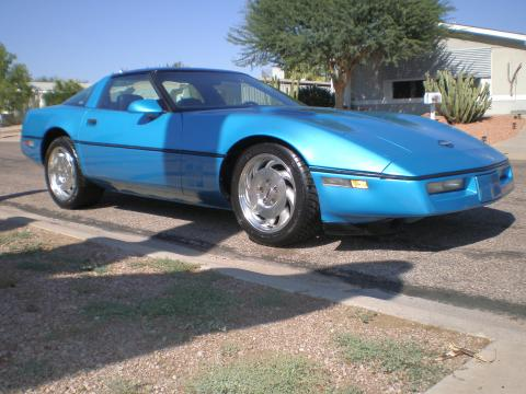 1987 Chevrolet Corvette Coupe in Blue