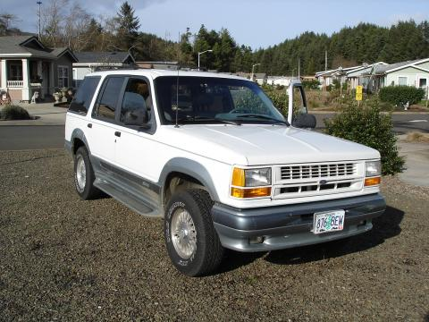 1994 Ford Explorer Limited 4x4 in Oxford White