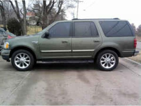 2001 Ford Expedition XLT in Estate Green Metallic