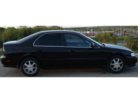1994 Honda Accord EX Sedan in Granada Black Pearl