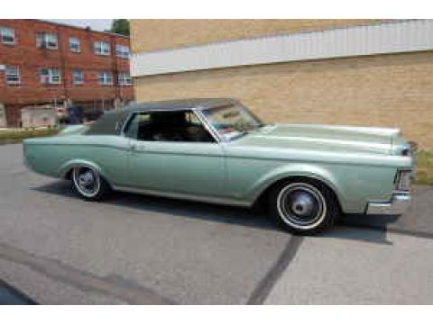 1969 Lincoln Continental Mark III in Aqua Green