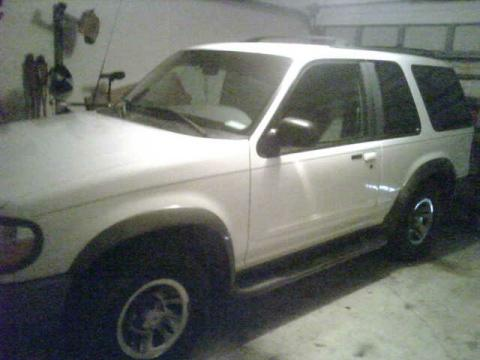 1998 Ford Explorer SUV in Oxford White