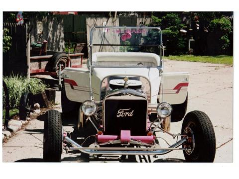 1927 Ford T Bucket  in Pearl White