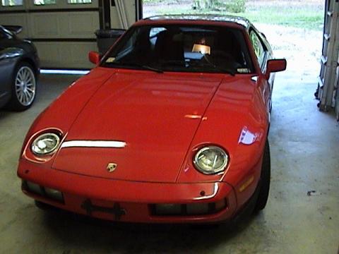 1986 Porsche 928 S in Guards Red