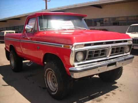 1974 Ford F250 Ranger 4x4 in Red