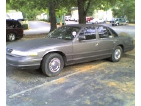 1995 Ford Crown Victoria  in Gray