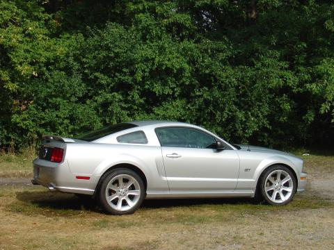 2006 Ford Mustang GT Premium Coupe in Satin Silver Metallic