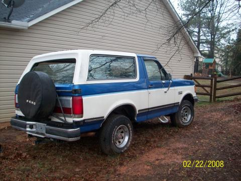 1989 Ford Bronco 4x4 in Blue on White