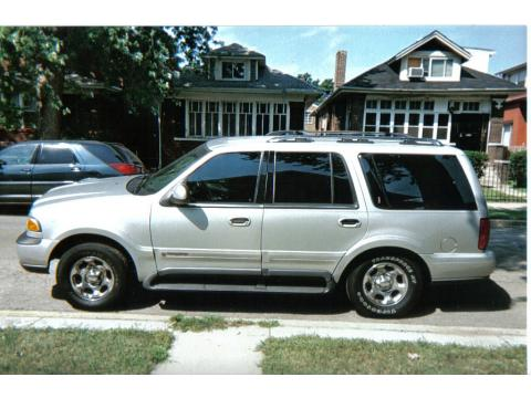 1999 Lincoln Navigator  in Silver Metallic