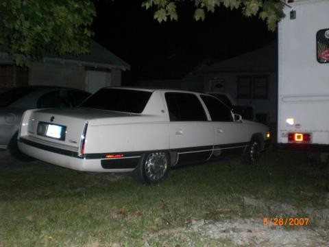 1996 Cadillac DeVille Sedan in White