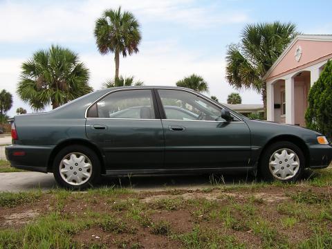 1997 Honda Accord LX Sedan in Sherwood Green Metallic