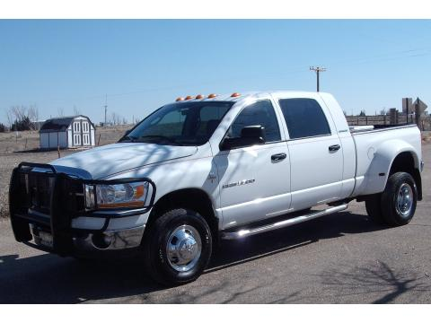 2006 Dodge Ram 3500 SLT Mega Cab Dually in Bright White