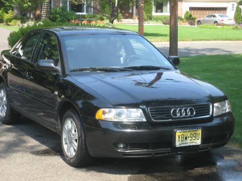 2000 Audi A4 1.8T Sedan in Brilliant Black