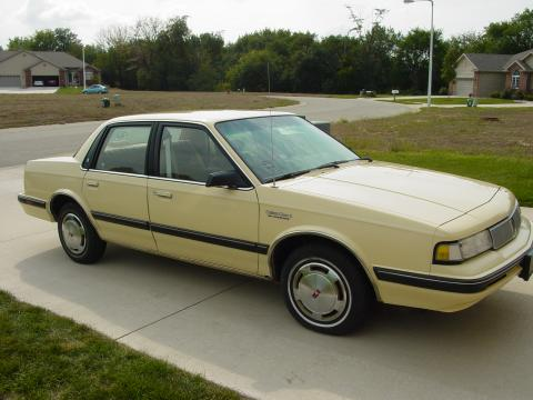 1992 Oldsmobile Cutlass Ciera S in Yellow