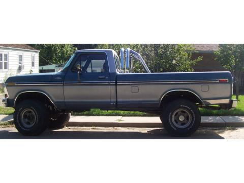 1978 Ford F250 Ranger 4X4 in Blue and Silver