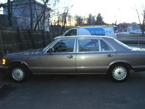 1989 Mercedes-Benz S Class 420 SEL in Dark Gold