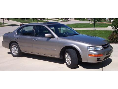 1998 Nissan Maxima GLE in Sterling Mist Metallic