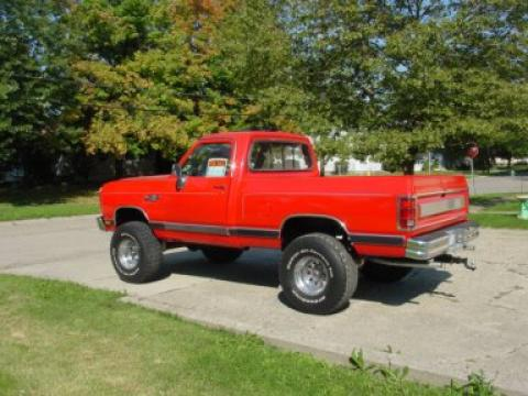 1991 Dodge W150 4x4 in Red