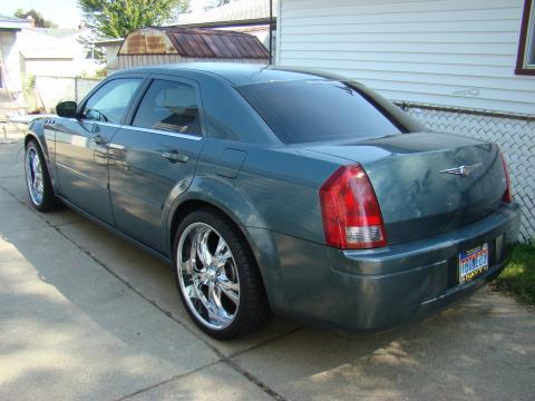 2005 Chrysler 300  in Magnesium Pearl