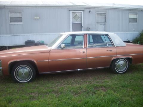1977 Cadillac DeVille Sedan in  Frost Orange Firemist Metallic