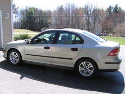 2005 Saab 9-3 Linear Sport Sedan in Parchment Silver Metallic