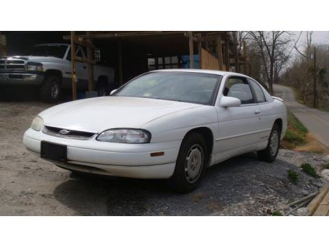 1995 Chevrolet Monte Carlo LS Coupe in Bright White