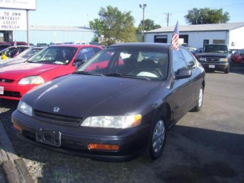 1996 Honda Accord EX Sedan in Granada Black Pearl Metallic