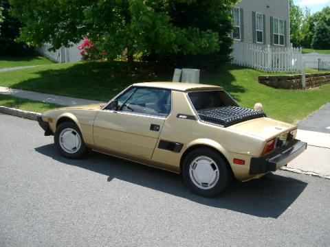 1985 Bertone X1/9  in Gold