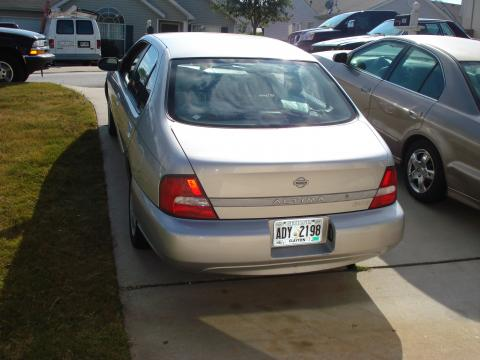 2001 Nissan Altima GXE in Platinum Metallic