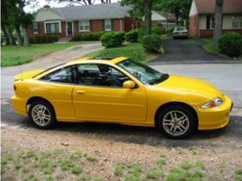 2002 Chevrolet Cavalier LS Coupe in Yellow
