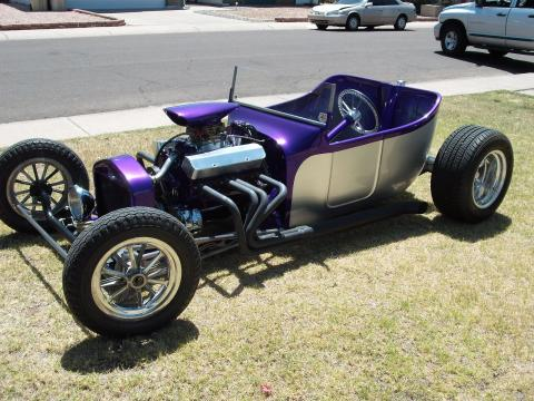 1923 Ford T Bucket Roadster in Purple/Silver