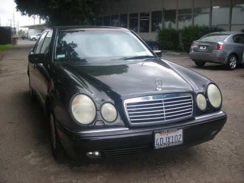 1999 Mercedes-Benz E 320 Sedan in Black